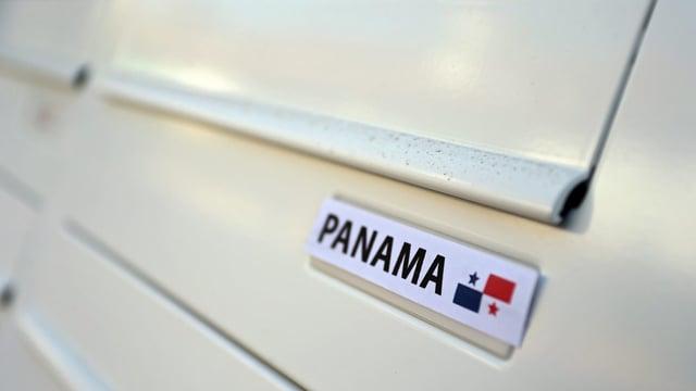 Briefkasten mit der Aufschrift Panama