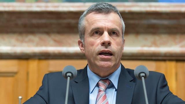 Lorenz Hess (BDP-BE) spricht während einer Debatte im Nationalrat. (keystone)