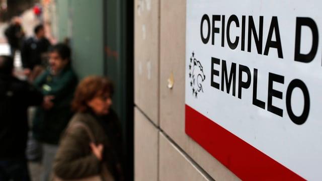 La quota da dischoccupaziun en Spagna è dentant anc adina fitg auta cun 21,6%.