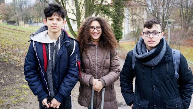 Abschlussklasse: Die gehörlosen Schüler Ivan, Xenia und Diogo