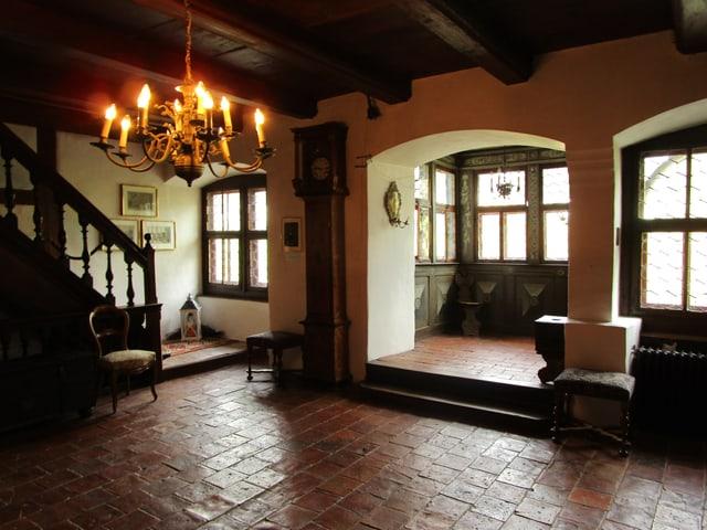 Eingang des imposanten Herrenhauses