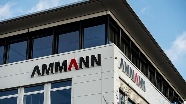 Schriftzug Ammann an der Fassade der Firma.