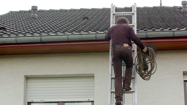 Ein Kaminfeger verschaffte sich ohne Einwilligung Zugang zum Haus