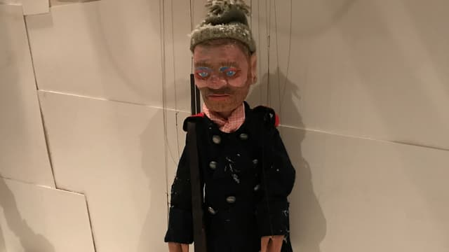 Eine männliche Marionette
