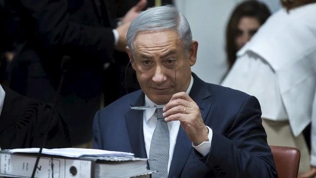Benjamin Netanjahu, il primminister da l'Israel cumbatta davant dretgira per ina cunvegna da gas