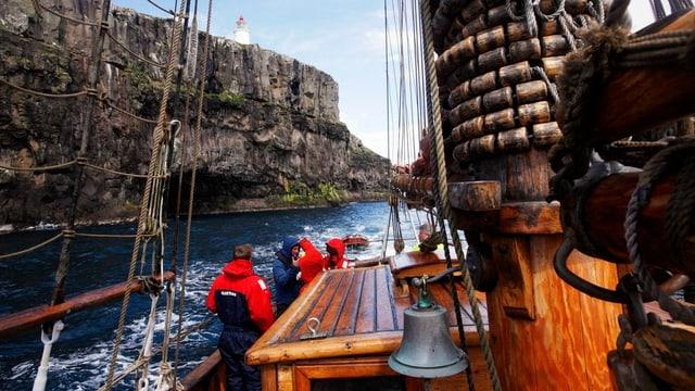 Boot vor den Färöer-Inseln.