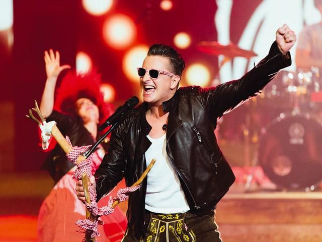 Andreas Gabalier auf der Bühne.