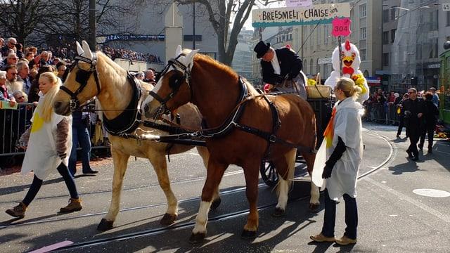 Pferde mit Chaise.