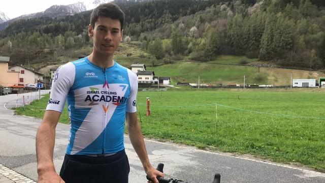 Matteo Badilatti s'allegra sin cuntinuaziun