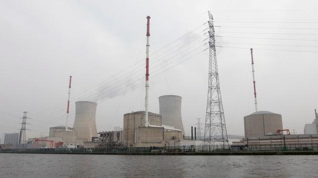 Ein Atomkraftwerk