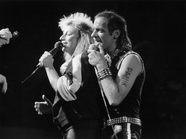 Gianna Nannini auf der Bühne mit Udo Lindenberg (1983).
