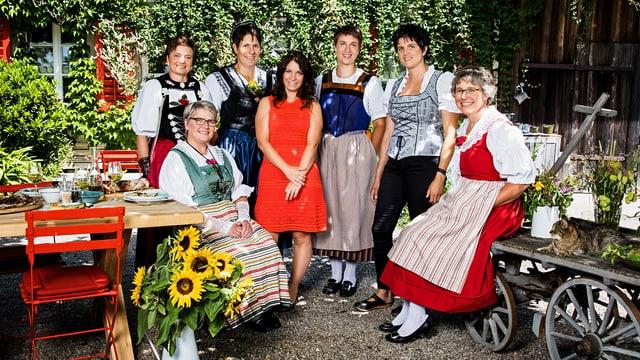 Die Landfrauen der 11. Staffel im Gruppenfoto.