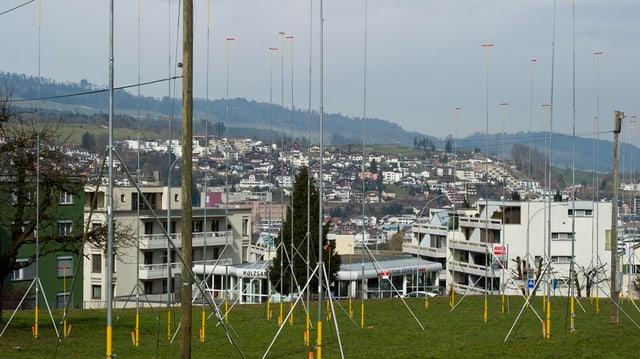 Baugespanne für sechs Wohnhäuser in Küssnacht am Rigi.