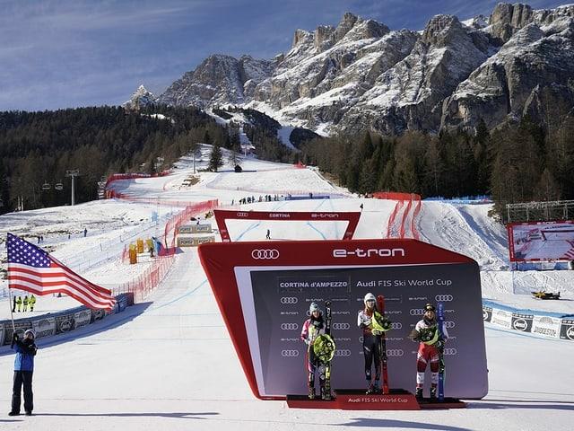Siegesfeier im Zielraum von Cortina