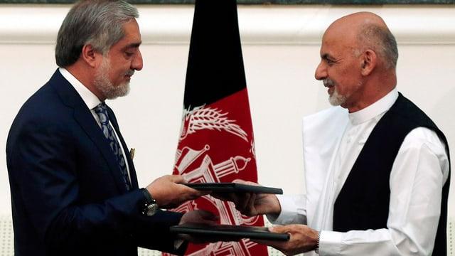 Ghani und Abdullah tauschen Staatsverträge aus