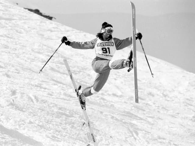 Conny Kissling beim Ballet auf den Skis.