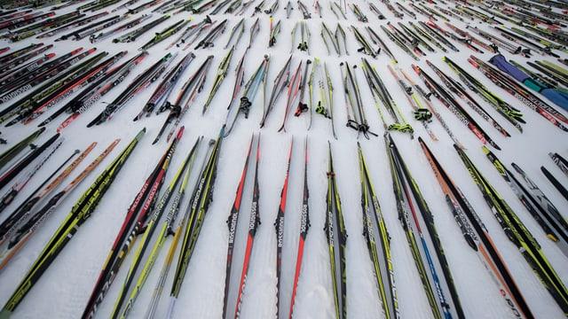 skis da passlung tar la partenza.