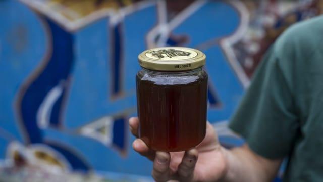Glas mit Honig.