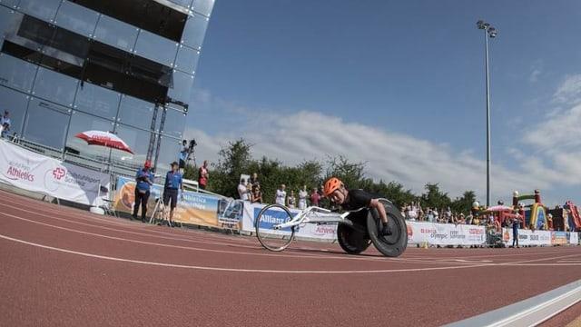 Rollstuhlsportler Andrin Deschwanden im Einsatz an der Junioren-WM in Nottwil