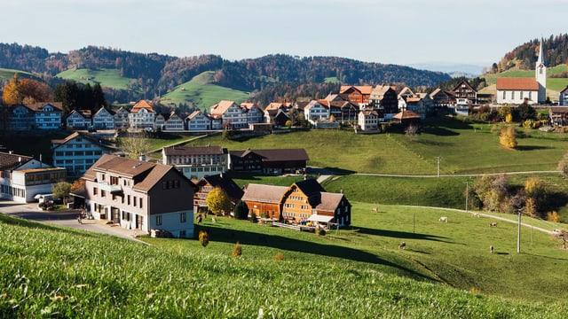 Video ««SRF bi de Lüt - Unser Dorf» (2/4): Erfüllter Augenblick» abspielen