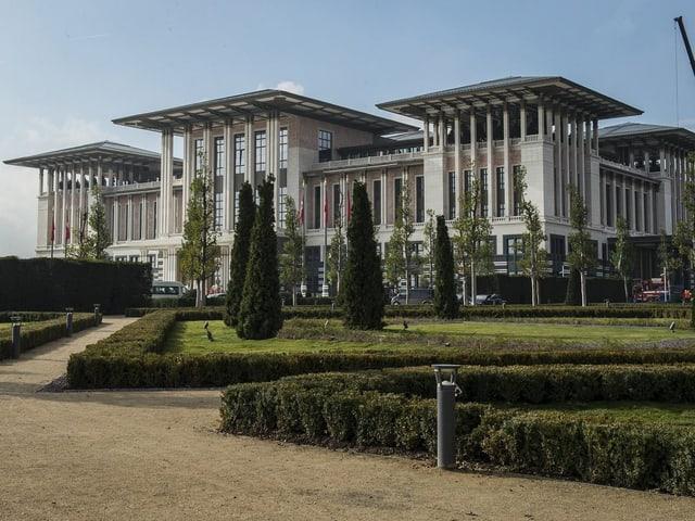 Der neue Präsidentenpalast von Aussen