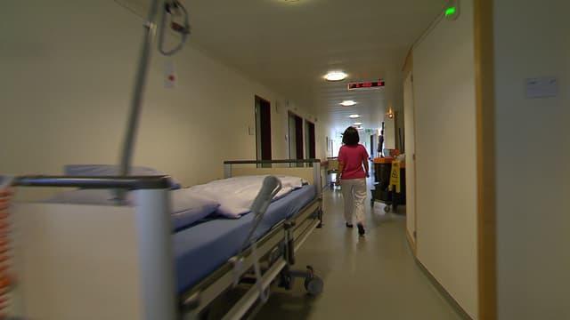 Video «Teure leere Spitalbetten, Atomwaffen, Rauer Wahlkampf in den USA» abspielen