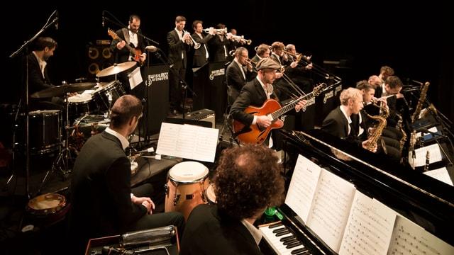 Das Orchester an einem Konzert.