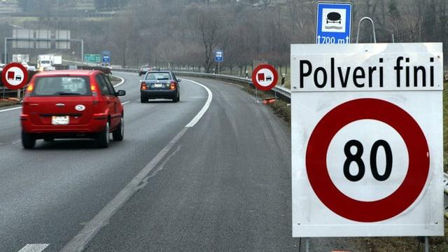Traject autostrada en il Tessin cun tempo 80 pervi da particlas finas l'onn 2010.