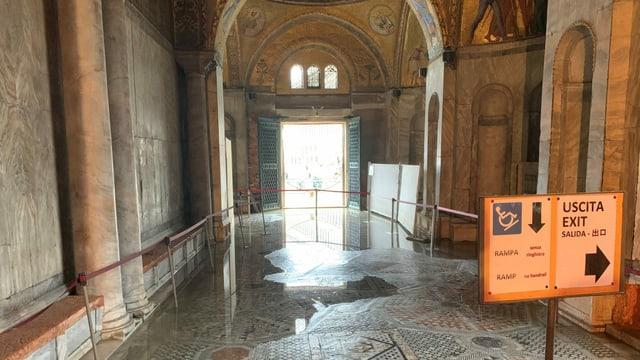 Innern der Markus-Kirche.