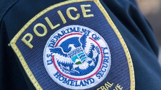 Abzeichen eines Mitarbeiters der Homeland Securitiy