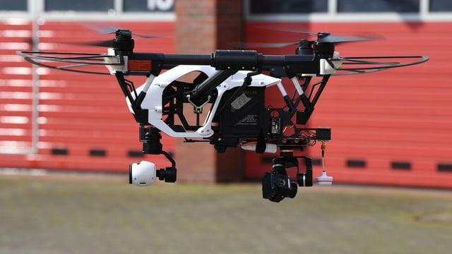Drohne im Flug.