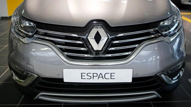 Il test è vegnì fatg tar il model Espace dal concern Renault.