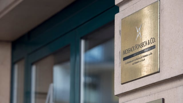 Das goldene Logo der Kanzlei Mossack Fonseca