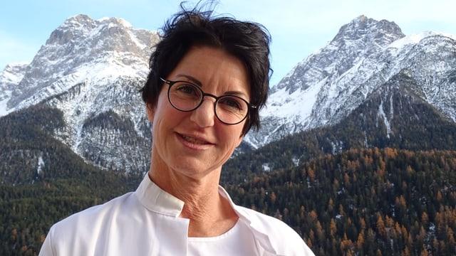 Ruth Bayerl, substituta dal schefmedi en l'opsital a Scuol.