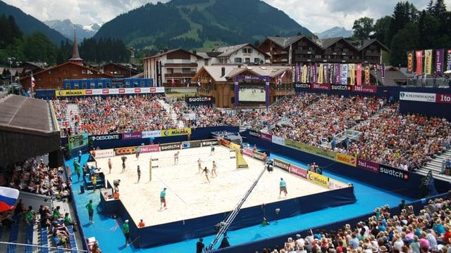 Blick über das Stadion in Gstaad.