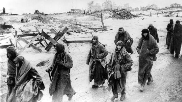Deutsche Soldaten in Stalingrad nach Gefangennahme.