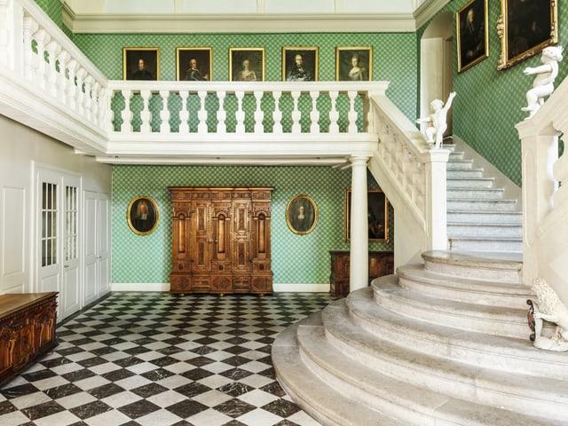 Das Haus von Roll, Ansicht der Treppenhalle.