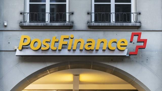 Logo da Postfinance vi d'ina chasa.