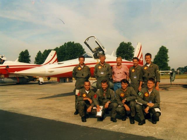 Peter Brotschi mit der Patrouille Suisse im Juli 1996 in Grossbritannien.