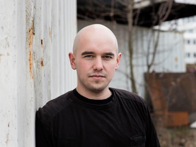 Renato Kaiser, geboren 1985, ist eines der erfolgreichsten Mitglieder der Schweizer Poetry Slam-Szene. Im März 2005 trat er zum ersten Mal an einem Poetry Slam auf. Seither hat er zahlreiche Slams gewonnen, unter anderem in Zürich, Salzburg, Berlin und München.
