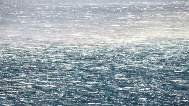 Mistral und Bora bringen das Wasser zum Fliegen.