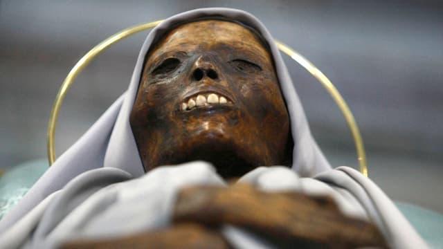 Mumifizierter Körper einer Ordensfrau