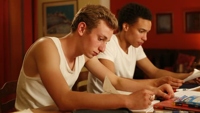 Kacey Mottet Klein und Corentin Fila in «Quand on a 17 ans».