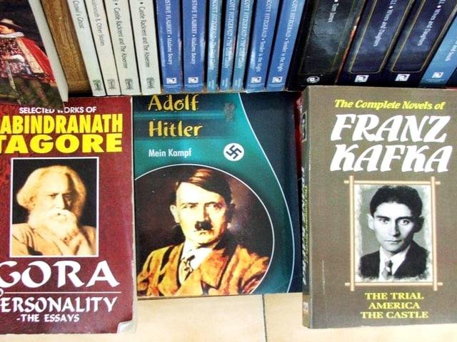 Buchauslage mit «Mein Kampf»