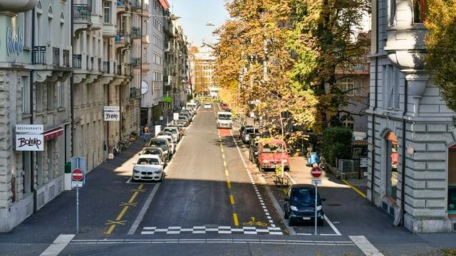 Blick auf eine neu sanierte Strasse im Hirschmattquartier Luzern.