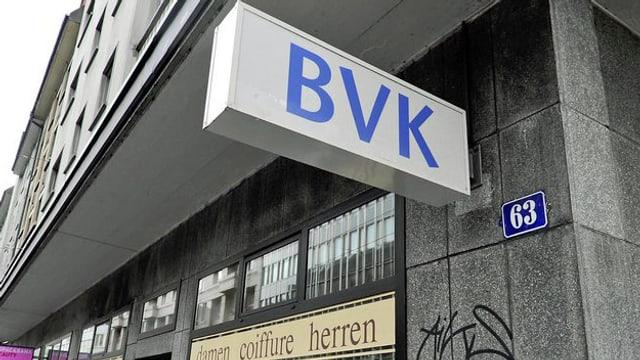 Logo der BVK am Geschäftssitz in Zürich