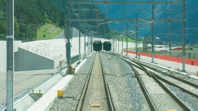 Portal dal nord dil tunnel da basa dal Gottard.