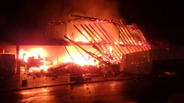 Haus in Flammen.