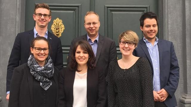 Da san: Jamie Rizzi, Nina Valär, Raphaela Holliger, Christian Müller, Manuela Fetz e Dario Wellinger