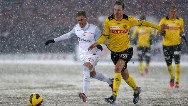Françios Affolter (r.) im Spiel gegen den FC Zürich.